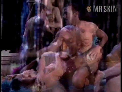 Madonnathegirlieshow madonna 01 large 3