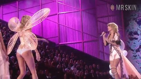 Vsfs2014 dreamgirls hd 02 large 3