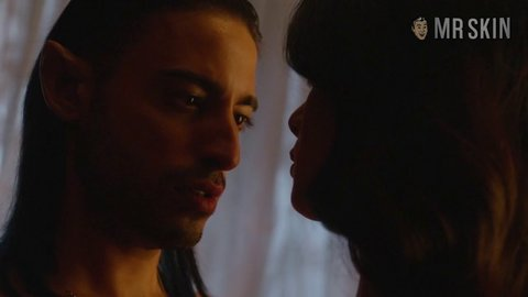 Shadowhunters 01x03 toubia hd 01 large 3