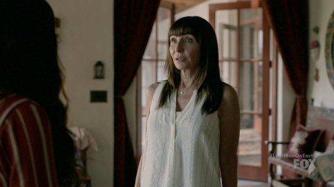 Lastmanonearth the 04x07 marysteenburgen cleopatracoleman hd 01 large 3